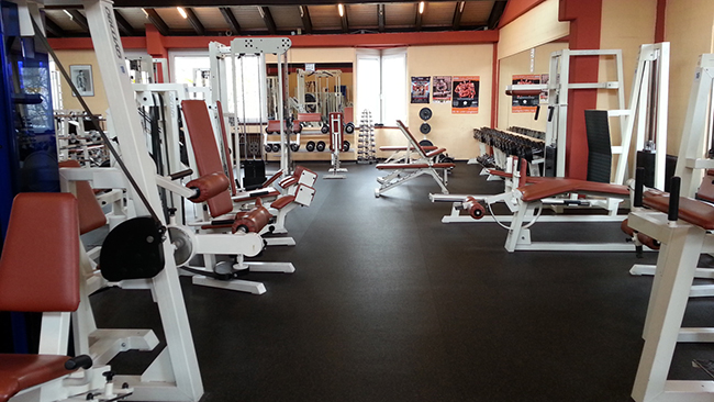 http://www.smash-fitness-park.de/media/bildergalerie/Trainingsflaeche/20140204_105118.jpg